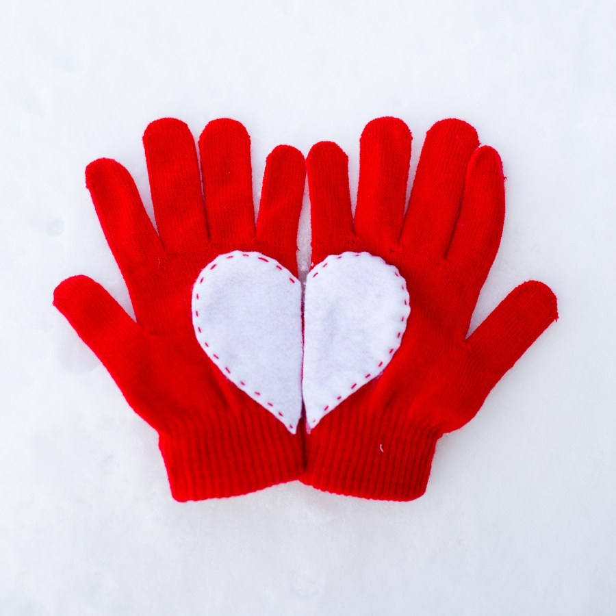 Heart Valentine gloves