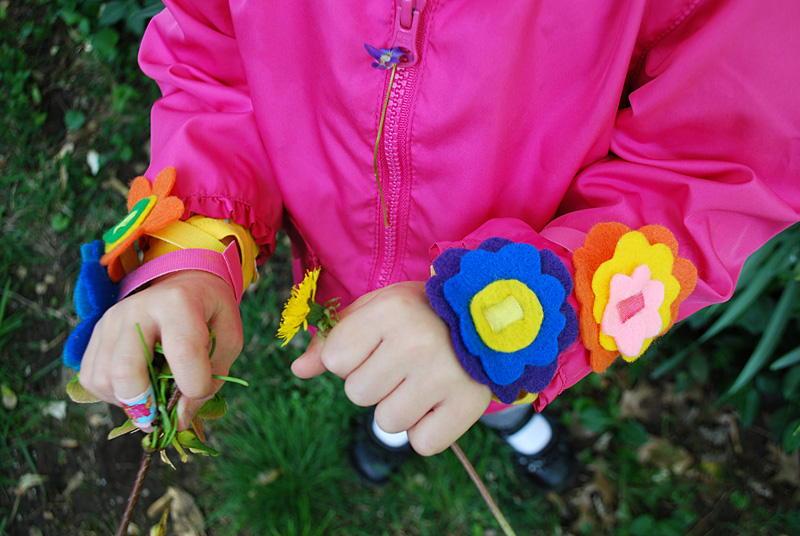 DIY Flower Felt Bracelet