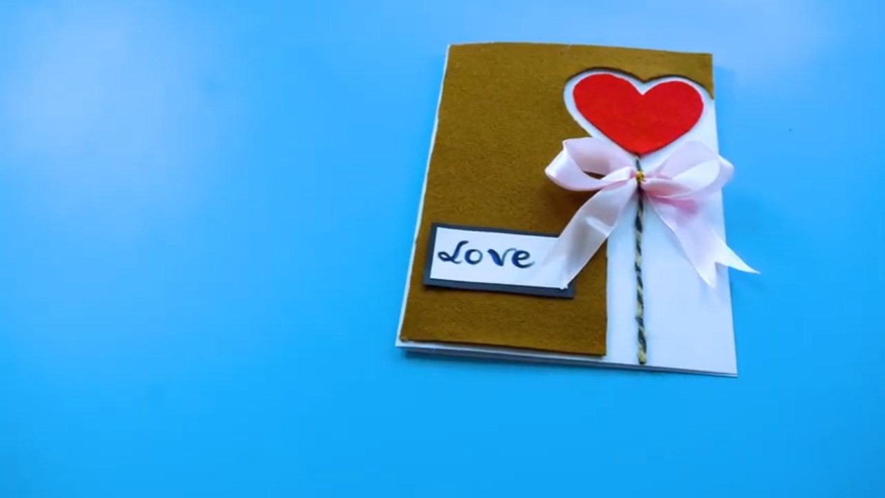 Feature of Birthday card in heart shape